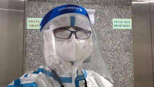 Một ngày của một nữ tu bác sĩ tình nguyện tại một bệnh viện dã chiến