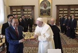ĐGH Phanxicô tiếp Phó Thủ tướng Việt Nam