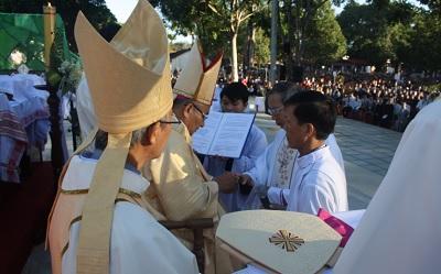 Lễ tấn phong Giám mục ALOISIÔ NGUYỄN HÙNG VỊ