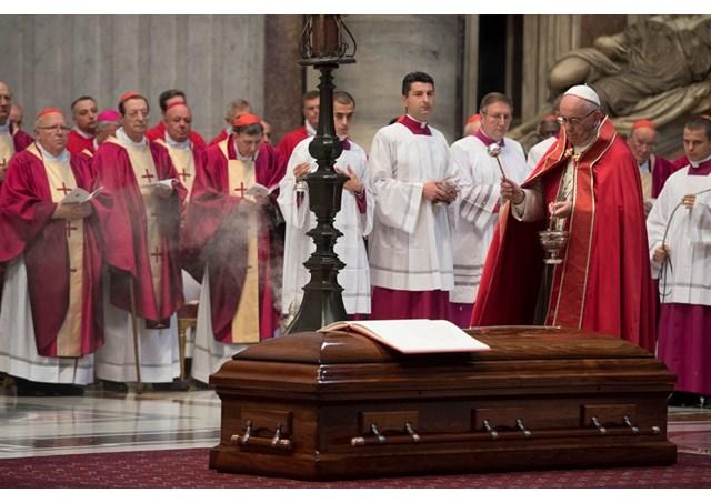 Thánh Lễ an táng Đức Hồng y Jean Louis Tauran