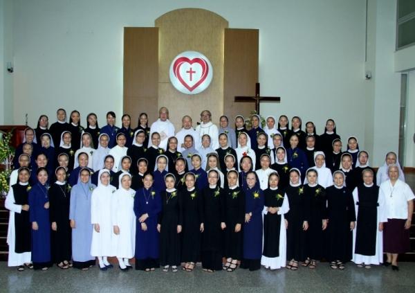 Học viện Liên Dòng Nữ: Thánh lễ bế giảng năm học