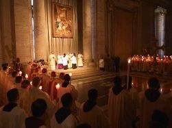 ĐGH Phanxicô dâng lễ Dâng Chúa trong Đền thờ với các tu sĩ