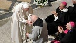 Tông du Maroc: ĐGH gặp gỡ linh mục tu sĩ và Hội đồng Đại kết Kitô