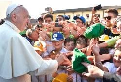 Ý nguyện của ĐGH tháng 9/2017: Cầu nguyện cho các giáo xứ