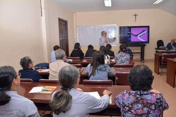 TTMV: Gặp gỡ GLV phụ trách các lớp giáo lý Dự tòng và Hôn nhân