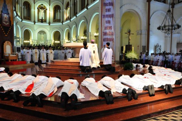 Thánh lễ Phong chức Linh mục tại Sài Gòn 2016