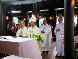 Thánh lễ Tạ ơn Kỷ niệm 28 năm linh mục của Đức cha Giám quản