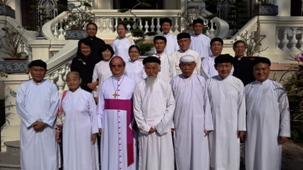 Phái đoàn Cao Đài chúc xuân Đức Tổng Giám mục