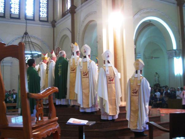 ĐHY Filoni tại nhà thờ chánh tòa (25.1.2015)