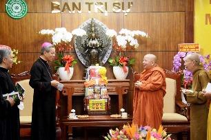 Phái đoàn tòa TGM chúc mừng đại lễ Phật Đản (5.5.2020)