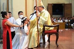 Nhà thờ Đức Bà Sài Gòn: Thánh lễ Thêm Sức (23.5.2020)
