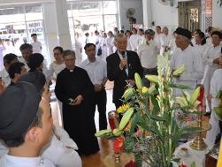 Ban MV Đối Thoại Liên tôn phúng viếng giáo sĩ Huệ Ý