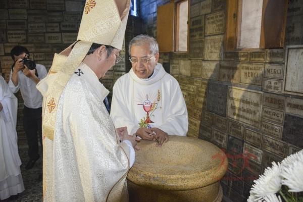 Thánh lễ Nhậm chức Chánh sở nhà thờ Chánh tòa Đức Bà Sài Gòn (10.9.2016)