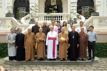 Thành hội Phật giáo chúc mừng Lễ Giáng Sinh Đức TGM