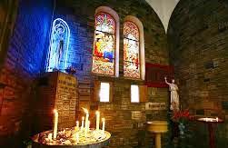 Ảnh thánh trong nhà thờ