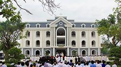 Giáo phận Vinh mừng lễ Quan thầy - Đức Maria Hồn Xác Lên Trời và khánh thành Tòa Giám mục mới