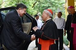 Đức Hồng Y Tổng trưởng Bộ Tu Sĩ đến thăm Tổng Giáo phận Hà Nội