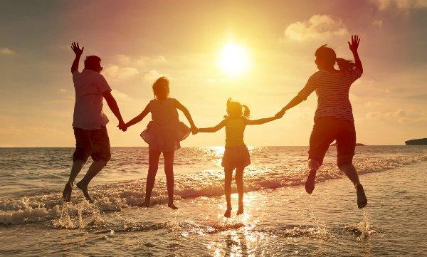 Đồng hành với các gia đình gặp khó khăn và các cộng đoàn giáo hội cơ bản