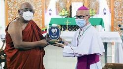 Lãnh đạo Phật giáo đóng góp cho Quỹ khẩn cấp Covid-19 do ĐGH Phanxicô thành lập