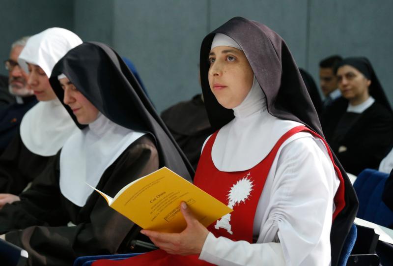 """""""Cor Orans"""" (Tâm hồn cầu nguyện): Huấn thị về đời sống của các nữ tu chiêm niệm"""