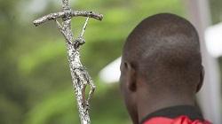 Kenya: un prêtre enlevé début octobre a été retrouvé mort