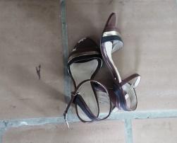 Triết lý từ đôi giầy