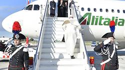 Đức Thánh Cha bắt đầu chuyến viếng thăm Rumani
