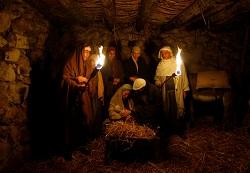 Chúa đã Giáng Sinh hơn 2000 năm rồi sao con người vẫn khổ?