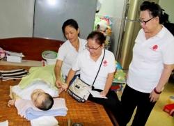 Caritas giáo hạt Tân Định: Thăm và hỗ trợ cho người nghèo khuyết tật