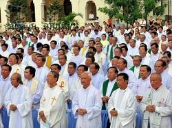 Tại sao một giáo xứ Hoa Kỳ trong 7 năm qua, mỗi năm đều có một tân linh mục?