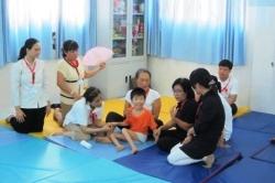 """Hội thảo """"Phục hồi chức năng cho trẻ bại não dựa vào cộng đồng"""""""