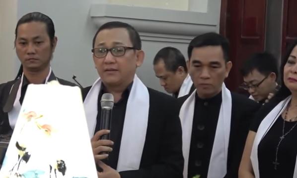 Nghệ sĩ CG Sài Gòn với Đức Cha Giuse Vũ Duy Thống