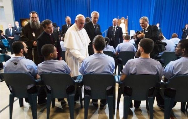 Thăm các tù nhân tại Trung tâm cải huấn Curran-Fromhold (27.6.2015)