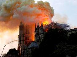 Nhà thờ Đức Bà Paris cháy