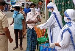 Ấn Độ: 45 phụ nữ thoát khỏi coronavirus nhờ các nữ tu