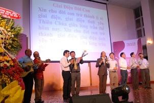 Văn nghệ kỷ niệm 15 năm nhóm Lửa Hồng