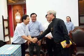 Phái đoàn Hà Tĩnh đến chào Đức Gm Louis Nguyễn Anh Tuấn