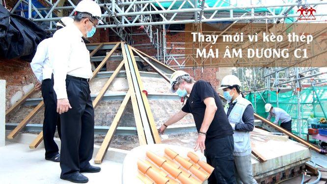Trùng Tu Nhà thờ Chính tòa SG: Thay mới vì kèo thép