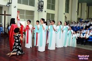 Gia đình Phạt Tạ Thánh Tâm: Văn Nghệ mừng bổn mạng 2016