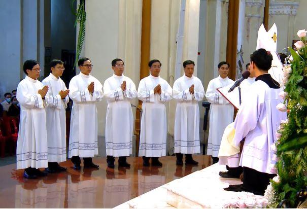 Nhà thờ Chánh tòa: Thánh lễ Truyền chức Phó tế (7.1.2021)